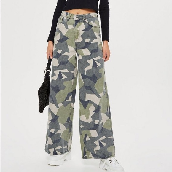 NWT Topshop High Rise Wide Camo Jeans 24